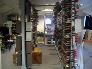 A view between the front and back of the Colossus, showing some more of the valves (the front of the machine is to the right of this picture).