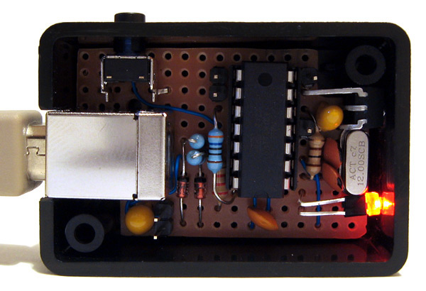 USB remote control receiver circuit in its enclosure
